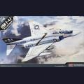 1:48  Academy  12305 Американский палубный истребитель McDonnell Douglas F-4J Phantom II VF-84