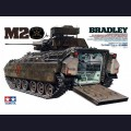 1:35  Tamiya  35132 Американский бронетранспортер M2 Bradley IFV