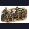 1:35 Dragon 6038 U.S. Marines (Iwo Jima 1945)