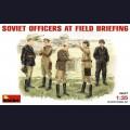 1:35 MiniArt 35027 Советские офицеры на полевом совещании